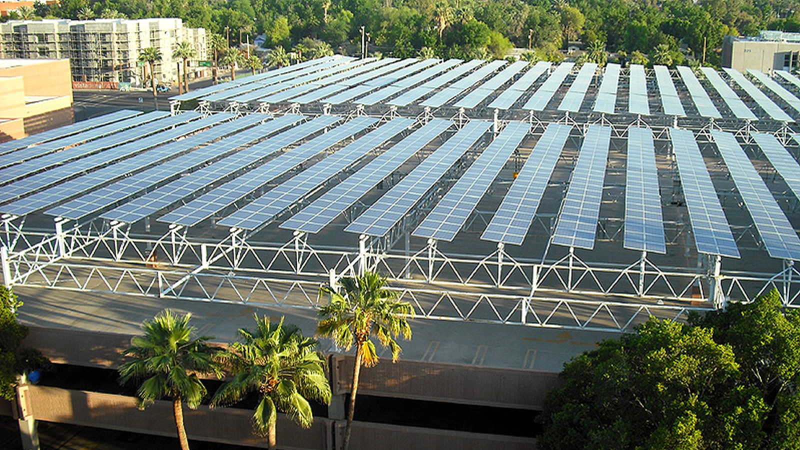 <h4>Shining Cities</h4><h5>Our Shining Cities project is urging cities across the country, including here in Arizona, to think bigger, act smarter, and tap the sun for more of their power.</h5><em>aznaturalist cc BY-SA 3.0</em>
